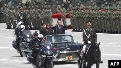 Эрдоган в качестве президента принимает парад в Анкаре 30 августа 2014 года