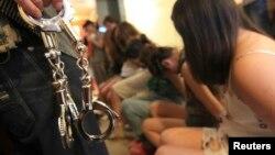 Эксперттер сексуалдык кулчулукка кыз-келиндер негизинен Түркия жана Араб өлкөлөрүнө сатылып кетишерин айтышат.