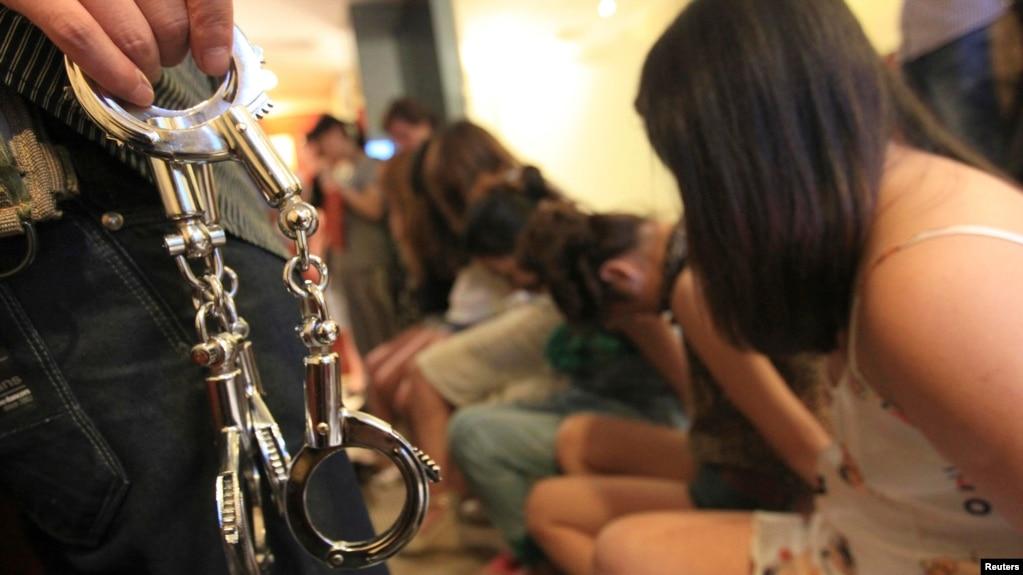 Видео секс наказания с девочками