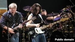 «Rush» падчас канцэрту ў Міляне, Італія, 21 верасьня 2004. Фота: Enrico Frangi
