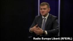 Valeriu Munteanu în studioul Europei Libere