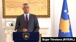 Presidenti i Kosovës, Hashim Thaçi gjatë konferencës për media.