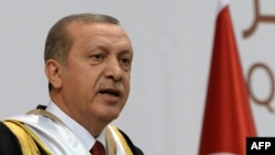 Ердоган під час виступу в університеті в Катарі