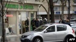 Policija u blizini košer marketa, Pariz, januar 2015.