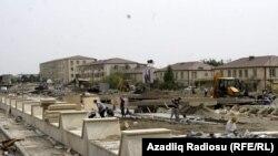 Salyanda Bayraq Meydanının tikintisi