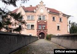 Замок Врхотовы-Яновице, принадлежавший роду Надгерных
