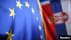 Zastave EU i Srbija