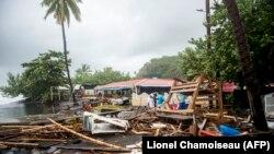 """Мария"" бороонунан кийин. Мартиник аралы"