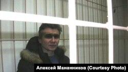 Алексей Мананников в суде, отправившем его на принудительную экспертизу. Новосибирск. 2010