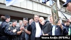 Prizor tokom procesa rehabilitacije Draže Mihailovića, Beograd