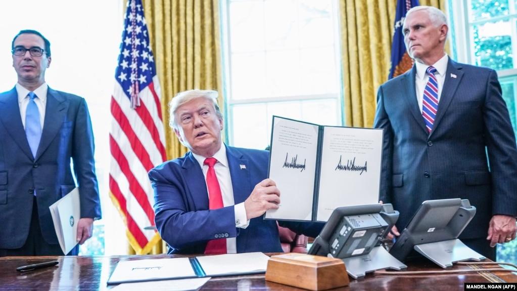آقای ترامپ گفته که دفتر رهبر جمهوری اسلامی نباید از تحریمها مستثنی شود.