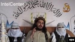 پاکستان: د پاکستانیو طالبانو د غورځنګ اوسنی مشر حکیم الله مسود. انځور یې د ۲۰۱۰ کال له یوه ویډیويي پیغامه را خیستل شوی دی.