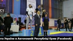 Kyivde keçken küreş turniri ğalipleriniñ taqdirlenüvi