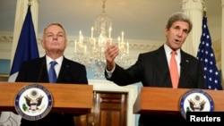 Jean-Marc Ayrault și Kohn Kerry la conferința de presă de la departamentul de stat american, Washington, 7 october 2016