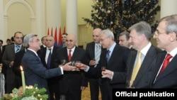 Прием, организованный для представителей делового сообщества Армении в связи с праздниками Нового Года и Святого Рождества. Ереван, 24 декабря 2010 г.