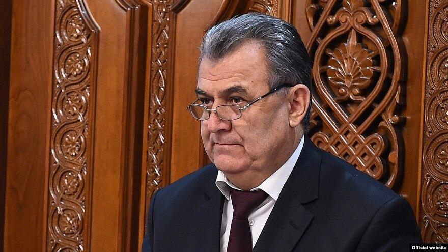 Министр образования и науки РТ Нуриддин Саид  ответил на критику в соцсетях.