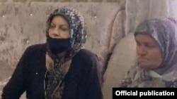 Хеда Саратова и мать Мадины Умаевой