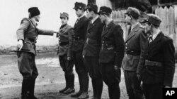 Бійці Карпатської Січі, збройних сил Карпатської України, в Хусті 16 березня 1939 року. Угорщина після важких боїв окупувала Хуст пізніше того ж дня