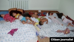 Спящие дети. Снимок Шынгыса Мамана, прислан на фотоконкурс Азаттыка.