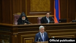 Armenian President Serzh Sarkisian addresses parliament, Yerevan, May 18, 2017