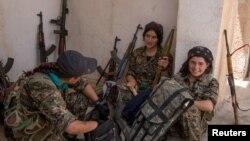 YPG-nin kürd qadın döyüşçüləri