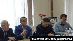 Правозащитник Лев Пономарев на конференции в Иркутске