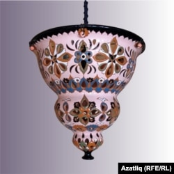 Рөстәм Скибин бизәгән лампа