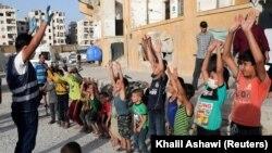 Suriyada İdlib düşərgəsində məcburi köçkün uşaqlar