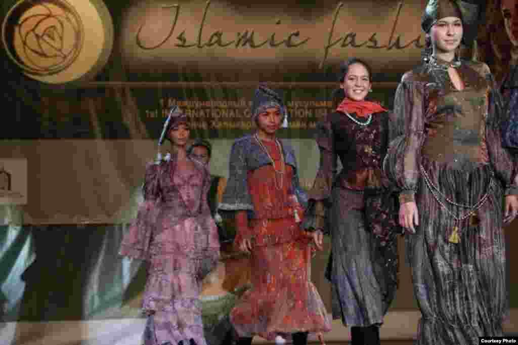 Tatarstan - Modna revija - Prva Međunarodna modna revija Islamske mode održana je u Tatarstanu.