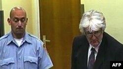 Radovan Karadžić pred sudom u Hagu