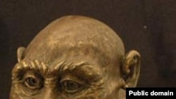 Австралопитек. Austrolopithecus africanus. Реконструкция скульптора Тони Вертса (Toni Wirts). Wikipedia. U.S. federal government