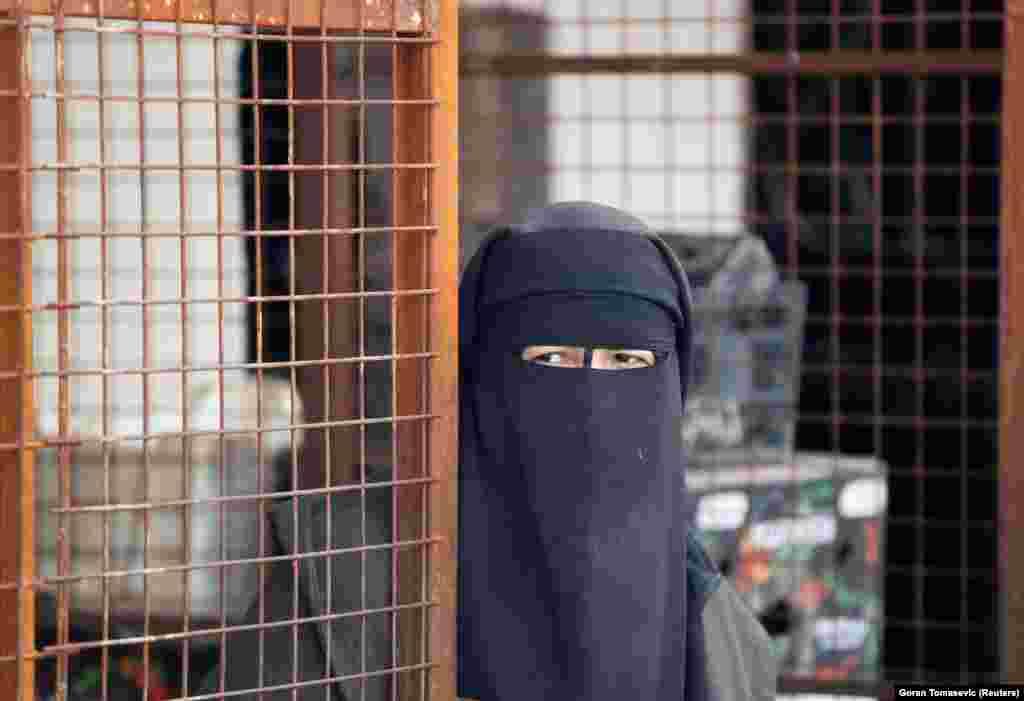 Женщина в лагере аль-Холь.