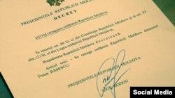 Decretul de retragere a cetățeniei moldovene lui Traian Băsescu, semnat de președintele Igor Dodon