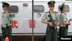 Тяньаньмэнь аянтындагы коопсуздук күчтөрү