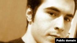حسین رونقی ملکی، وبلاگنویس منتقد و زندانی سیاسی.