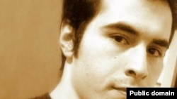 Jailed blogger Hossein Ronaghi