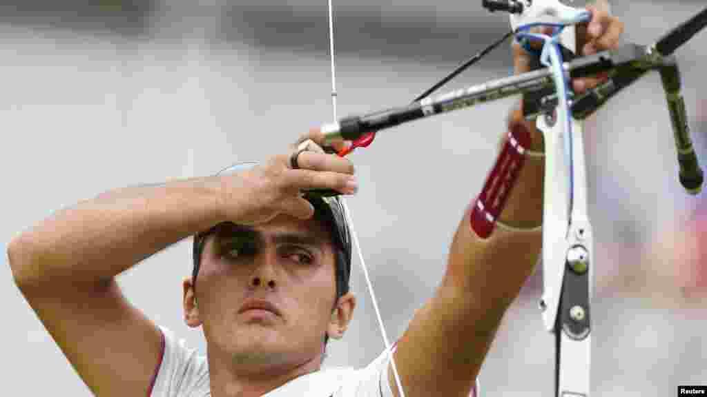 میلاد وزیری، ورزشکار در تیراندازی با کمان
