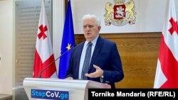 Амиран Гамкрелидзе отметил, что нынешняя ситуация позволяет провести не только выборы, но и возобновить учебный процесс