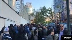 عکس منتشر شده از تجمع خیابان وزرا.