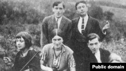 Марина Цветаева (солдо) Прагада, 1923-жыл.