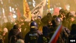 Demonstrație Pegida la Frankfurt am Main