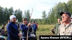 Жители Такмыка, одного из сел Большереченского района