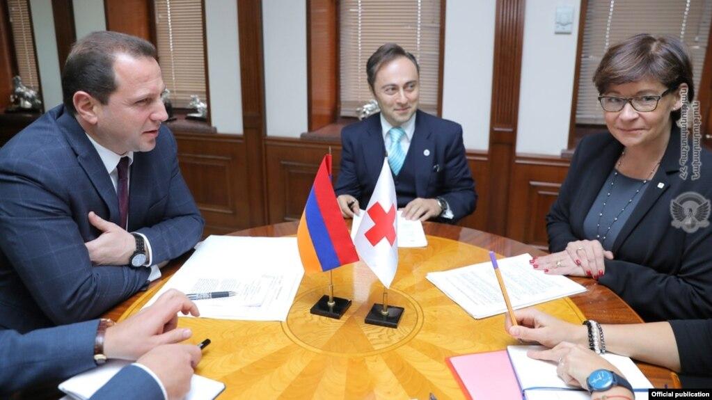 И. о. министра обороны Армении и глава делегации МККК обсудили вопросы сотрудничества