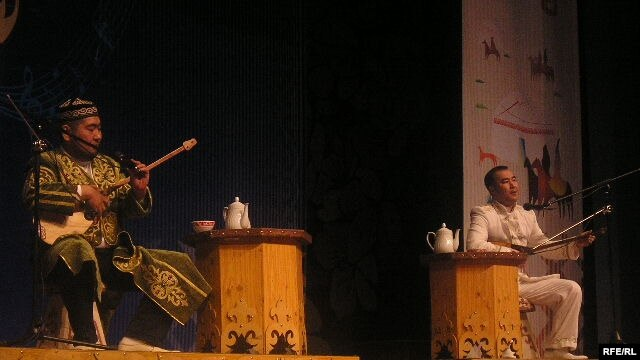 Ақындар Айбек Қалиев пен Балғынбек Имашевтың айтысы. Алматы, 21 наурыз 2010 жыл.