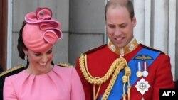 Кейт и Уильям - герцогиня и герцог Кембриджские