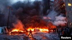 Baricade în flăcări la Kiev, 23 ianuarie 2014