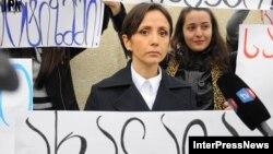 Теа Тутберидзе уверена, что прокуратура методом принуждения пытается заполучить доказательства вины военных
