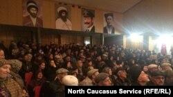 Сход жителей Унцукульского и Гергебильского районов Дагестана, поселок Шамилькала, 8 ноября 2018 года