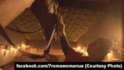 Акторка Міла Крикунова, кадр робочого матеріалу фільму «Сім історій успішних ромських жінок»