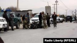 Pamje pas një sulmi me bombë më parë në Afganistan